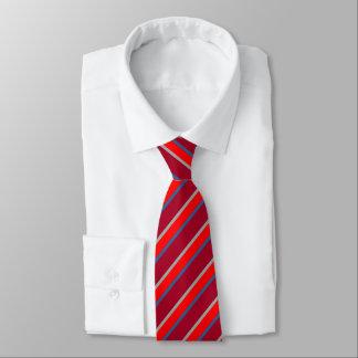 Laço listrado avermelhado gravata