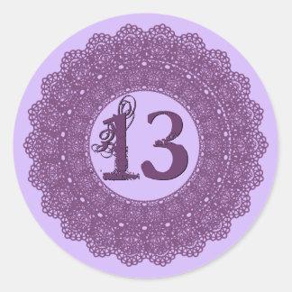 Laço roxo V12 da etiqueta do aniversário do Adesivos Redondos
