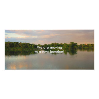 Lago bonito no por do sol 10.16 x 22.86cm panfleto