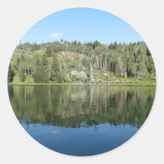 lago claro adesivo em formato redondo