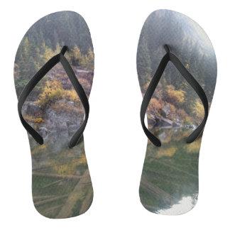 Lago marrom bells chinelos