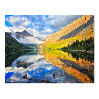 Lago medicine da parte superior dois no nascer do cartão postal
