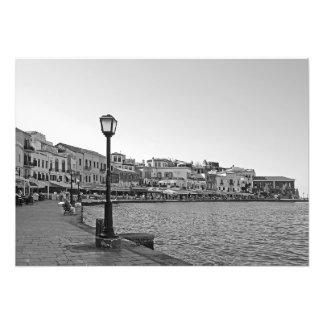 Lâmpada de rua no passeio do mar foto