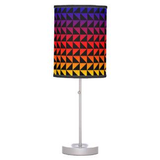Lâmpada geométrica colorida arco-íris do teste