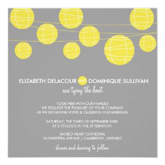 Lanternas de papel de suspensão amarelas que convites