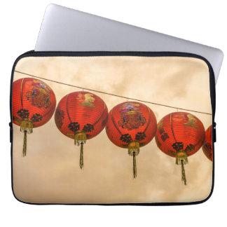 Lanternas vermelhas na bolsa de laptop de capa para notebook