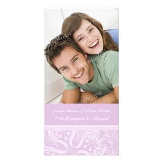 Lavanda do cartão com fotos do anúncio do noivado