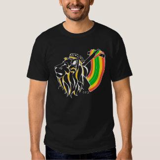 Leão da reggae de Rasta que ascensão T-shirt