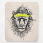 Leão do hipster (fundo claro) mousepad
