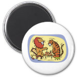 Leão e tigre que jogam a xadrez ima de geladeira