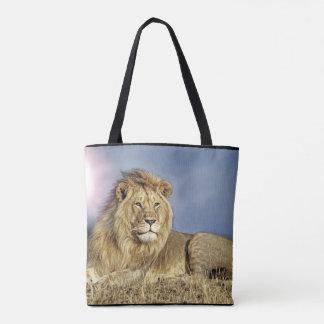 Leão no bolsa do safari