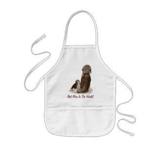 Lebreiro bonito do filhote de cachorro com arte do aventais