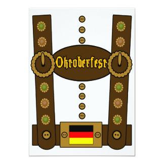 Lederhosen de Oktoberfest engraçados Convite 12.7 X 17.78cm