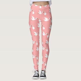 Legging Cegonha cor-de-rosa e branca que tenta conceber