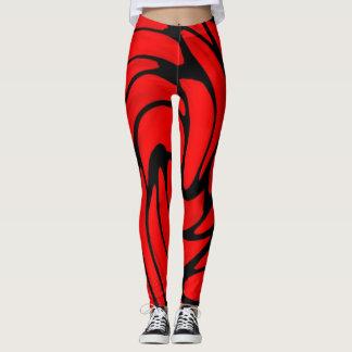 Legging Seda vermelha e caneleiras de couro pretas do