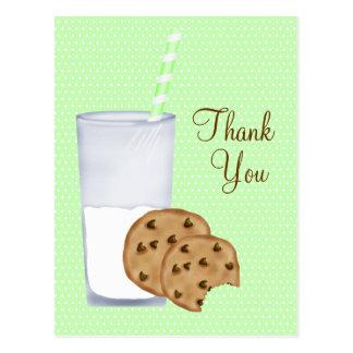 leite e biscoitos cartão postal
