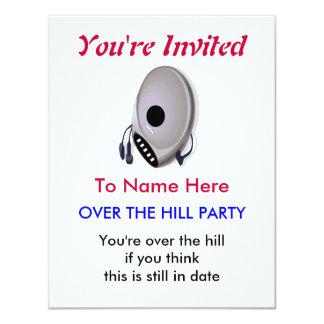 Leitor de cd sobre o convite de aniversário do