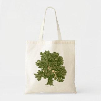 Leitura da mulher na árvore sacola tote budget