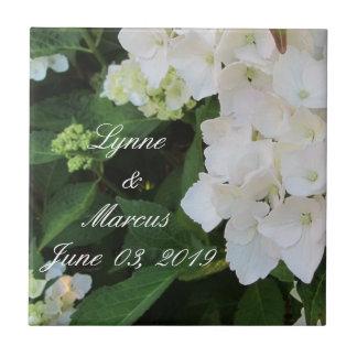 Lembrança branca da data do casamento do Hydrangea Azulejo Quadrado Pequeno