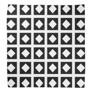 Lenço Diamantes brancos e quadrados pretos