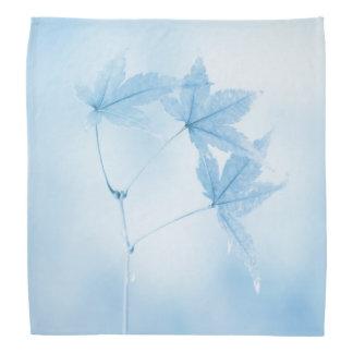 Lenço Folhas de bordo japonesas no azul