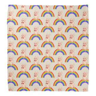 Lenço Frenchie comemora o mês do orgulho no arco-íris de