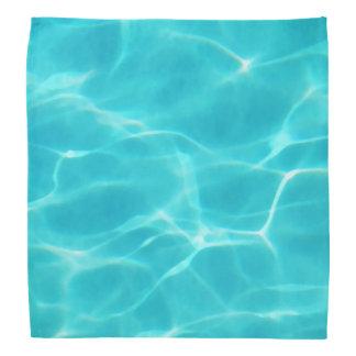 Lenço Refrigere a piscina
