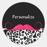 Leopardo cor-de-rosa e preto do bigode na moda adesivos redondos