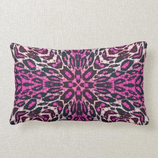 Leopardo cor-de-rosa fluorescente travesseiro de decoração