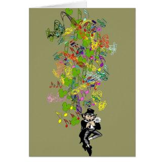 Leprechaun afortunado com trevos cartão