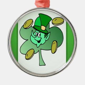 Leprechaun irlandês para o Dia de São Patrício Ornamento Redondo Cor Prata