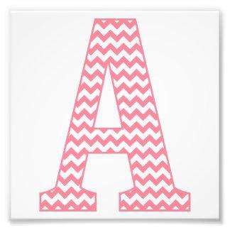 Letra cor-de-rosa formal clássica de Chevron um Impressão De Foto