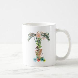 Letra floral T do copo de café da inicial do Caneca De Café