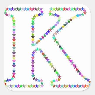 Letra K da estrela do arco-íris Adesivo Quadrado