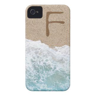 LETRAS NA AREIA F CAPAS iPhone 4 Case-Mate