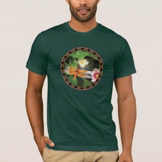 Libélula e círculo de Lotus Camiseta