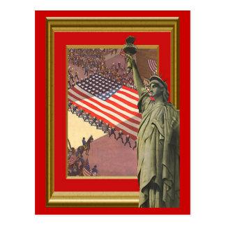 Libert e bandeira dos Estados Unidos gigante Cartão Postal