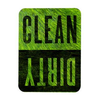 Limpe o ímã gramíneo sujo da máquina de lavar