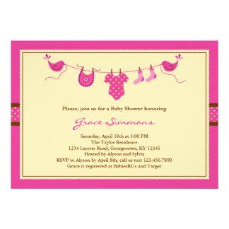 Linha convite da roupa do Layette do chá de fralda