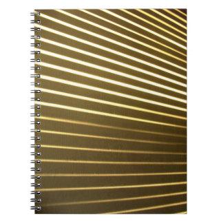 Linhas brancas caderno