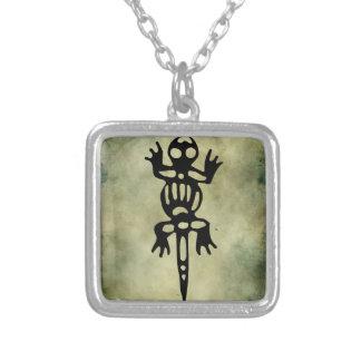 linocut simbólico africano colar personalizado