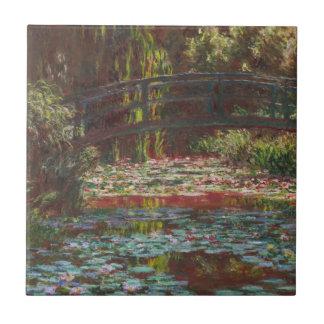 Lírios japoneses da ponte e de água por Claude