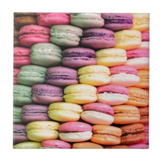 Listra do arco-íris de biscoitos empilhados de