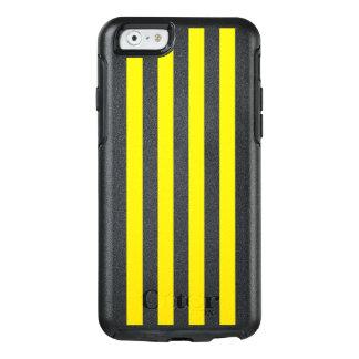 Listras amarelas verticais