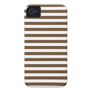 Listras finas - brancas e Brown escuro Capas Para iPhone 4 Case-Mate