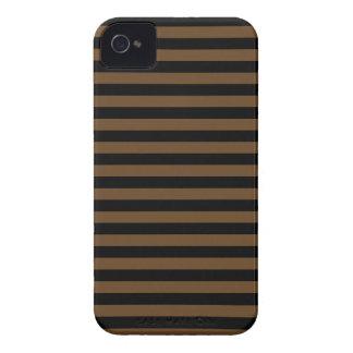 Listras finas - pretas e Brown escuro Capinha iPhone 4