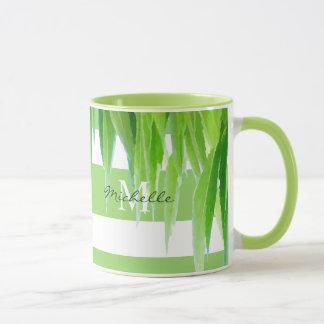 Listras & folhas brancas verdes modernas da caneca
