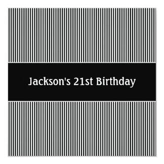 Listras pretas da festa de aniversário & brancas convite personalizado