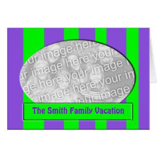 Listras roxas verdes cartão comemorativo