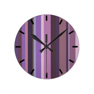 Listras verticais malva relógios para paredes